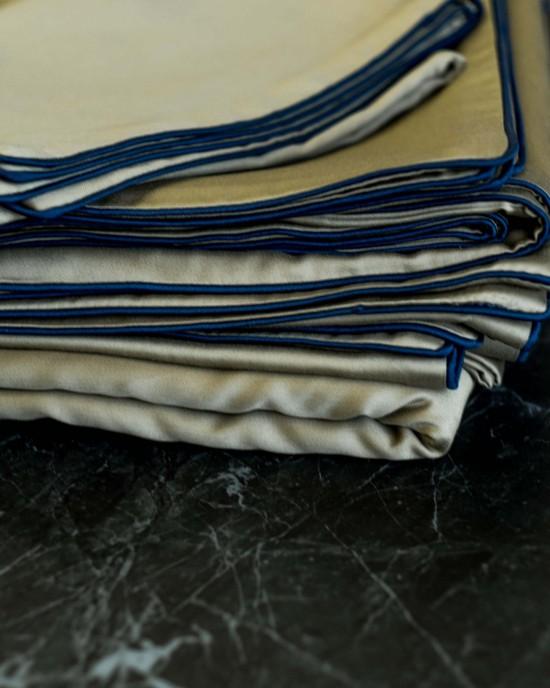 Line оливковий (синій кант)